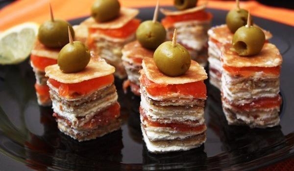 9c1cfcd25 Канапе, деликатесные закуски, горячие блюда, суши, фруктовые букеты с  доставкой от кейтеринговой компании «Калипсо»